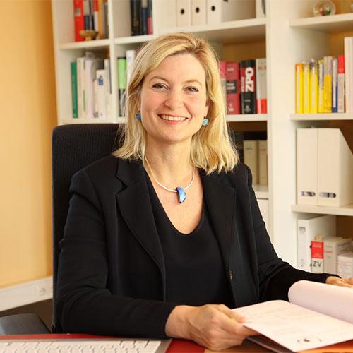 Kathrin Dorothée Wipper, Anwältin Büdingen